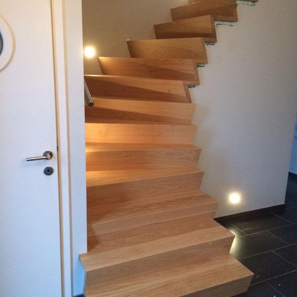 Stijlen van trappen houten trappen limburg for Houten trappen op maat gemaakt
